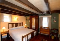 Pennysteel Cottage - Master Bedroom
